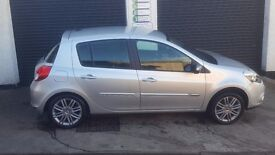 Renault CLIO.........very low mileage...immaculate car all road