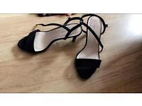 Ladies heels size 5
