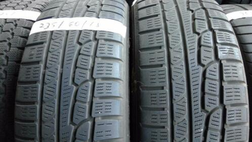 2x Nokian WR 235-60-18 Winterbanden 5.5mm