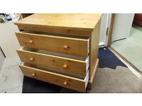 Solid Pine Set of Drawers in Good Condition