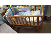 baby crib very good conditione all include