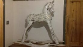 Rocking Horse - Vintage Gold And White - Stunning!. ♡
