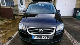 VW Touran black manual