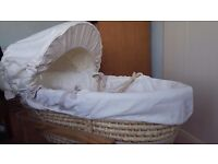 Neutral moses basket. Good condition. Originally from mamas and papas. Stand not included.