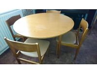 Round dinning table - drop leaf with 4 chairs