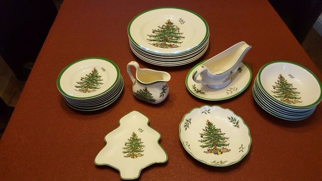 New Spode Christmas Tree Dinner Service 8 places + extra items