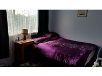 Large double room for single person in Hayes. £120 p/w