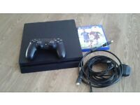 PS4 500GB CONSOLE WITH CONTROLLER AND 1 GAME