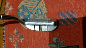Golf chipper/putter for those difficult just off the green shots