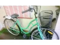 BRAND NEW TOWN BIKE WITH BASKET