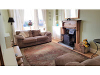Lovely, bright furnished 2 double-bedroom Edwardian flat available just off Leith Links.