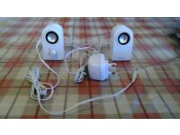 CREATIVE STEREO SPEAKERS FOR LAPTOP / IPOD / PHONE , WHITE, VGC, GREAT SOUND
