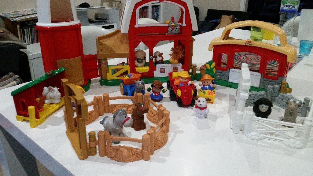 Complete Little people Farm 1rst Age With lot of characters tractor animals and some funny noise!
