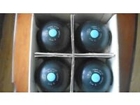 Lawn Green Bowls x 4. Thos. Taylor size 5 Used but good. Marked International
