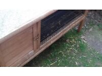 HUTCh 4 ft wide suit guinea pigs or small rabbit