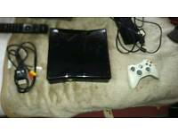 Xbox 360 slim 250gb console and controller
