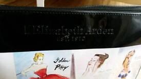 Elizabeth Arden Toiletry Make-up Bag NEW