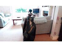 Set or golf clubs