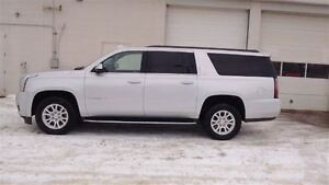 2016 GMC Yukon XL SLT, Leather, Sunroof, 8 Passenger, Bluetooth