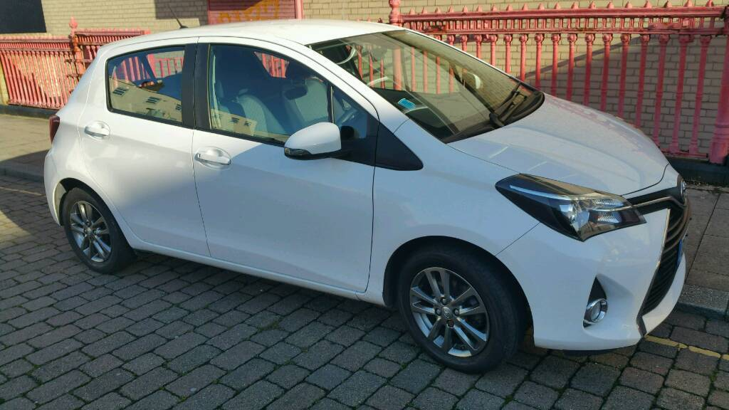 Toyota Yaris 2014 1.1 VVT-ICON 5 door Petrol White 64 plate