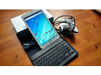 """For sale, Acer 8"""" tablet, model B1-850 (white), 16GB, Android 5.1, with case and bluetooth keyboard."""