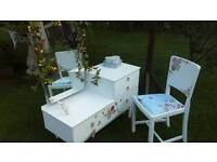 Vintage dressing table & chair & rose garland