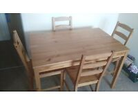Dinning table+ 4 chairs