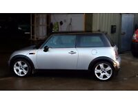 Mini Cooper 2005 1.6 petrol in good condition for age. Alloy whhels, run flat tyres, radio/cd fitted
