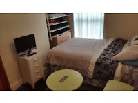 Double room with bills inclusive