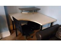 Desk. Urgent withdrawal