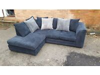 Cute 1 month old black corded corner sofa, clean and tidy. modern design.can deliver