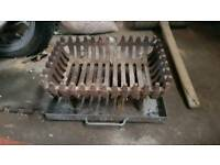 Small cast iron Old dog grate heavey duty