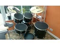 Yamaha gigmaker acoustic drum kit