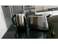 Breville Kettle and Toaster set