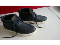 Men's navy blue leather&suede casual boots. Size 8, mens