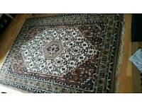 Beautiful wool rug. Great condition
