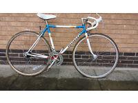 peugeot road bike good condition (city centre)