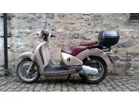 Aprilia Scarabeo 125 scooter