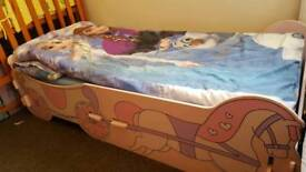 Kids bed with excelent matress