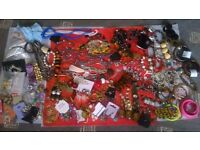 Mixed New and Old Costume/Vintage Jewellery and Hair Accessories 150+ Items