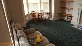 Furnished 1 bed flat with off-road parking on Barnwood Rd, bus no.10, big living room, GCH