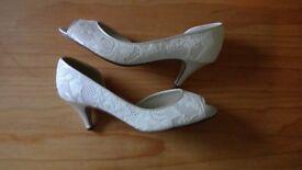 Rainbow Club Wedding Shoes, size 4.5 - BRAND NEW!