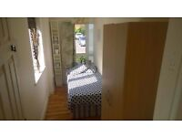 ## CRAZY CHEAP ROOM! MODERN FLAT WITH GYM! 15 MINS TO KING' CROSS! MORE CHEAP ROOMS? TEXT ME!