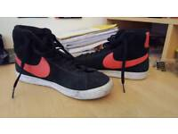 Size 6 Nike midnight runners