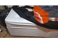 Diwan bed with mattress