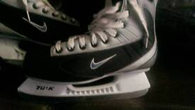 Nike Bauher ice hockey boots
