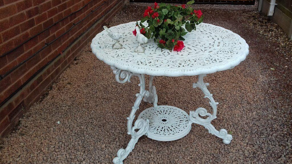 Large Heavyweight Cast Iron Aluminium Metal Garden Patio Table In