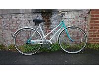 Women's vintage Universal town bike