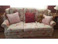 3 Piece Pastel Green Floral Cottage Suite