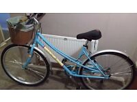Universal Stirling 700C Hybrid Bike - Ladies retro bike with basket
